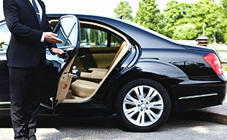 Lucky Taxis   Taxi services in Milton Keynes